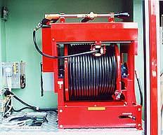 高圧ホース自動巻取り装置