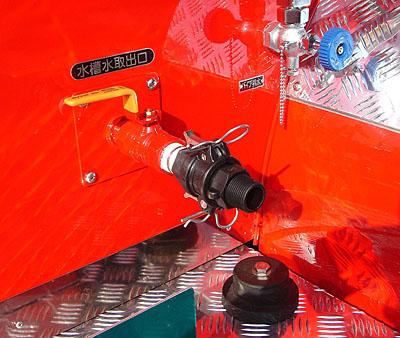 水槽水取り出し装置