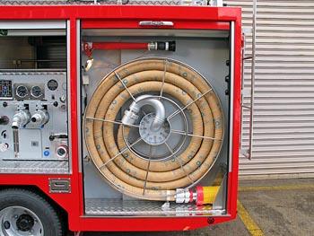 バックプル式吸管巻取り装置、機材庫