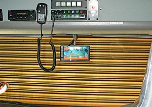 ルームミラー部分に装備されたバックアイシステム 後進時に後部の映像が映し出されます。